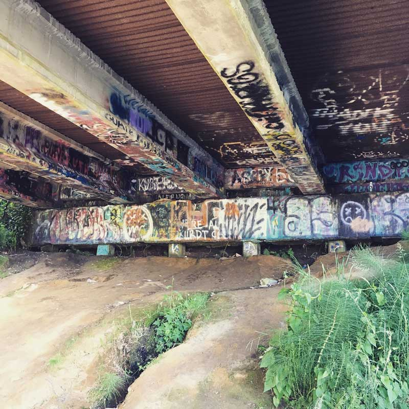 Мост у реки Уишка (Whishkah),